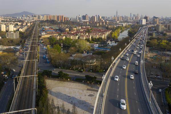 鸟瞰南京长江大桥引桥铁路桥