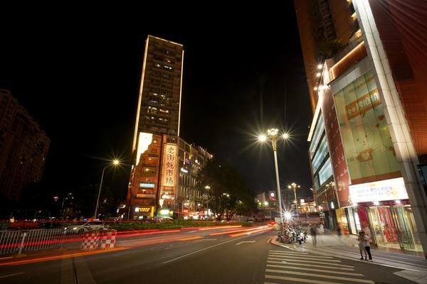 深圳罗湖老街蚝市场道路交通延时灯轨