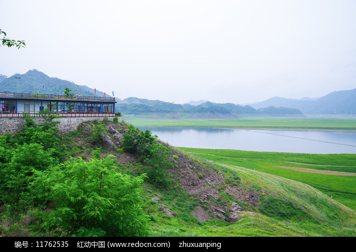 宽甸绿江村图片