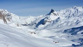一望无际的雪山