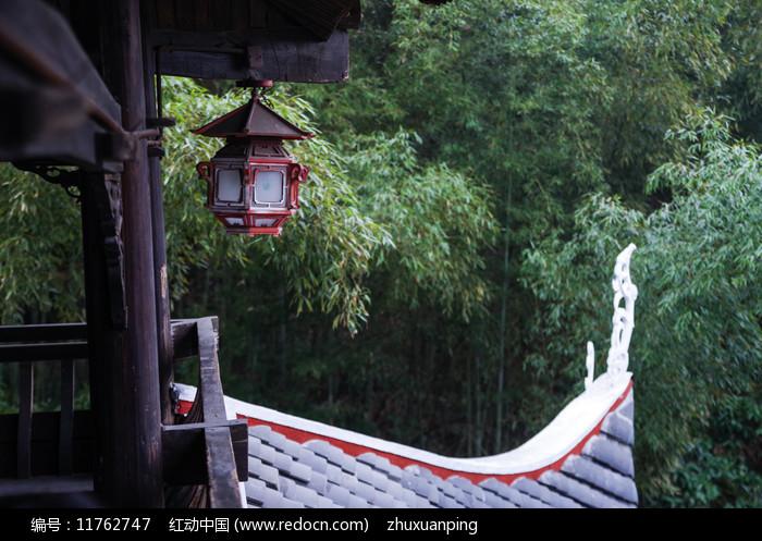 竹林与屋檐图片