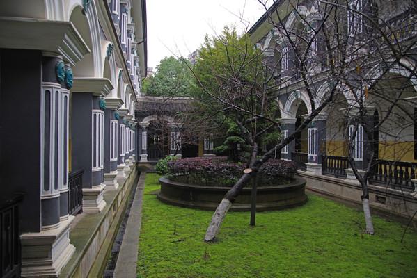 校园景观建筑