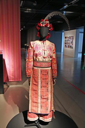 彝族 泸西女服